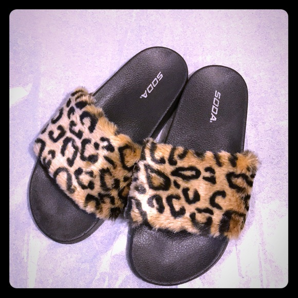 983cc7e1ab4 Fashion Nova Shoes - Fashion Nova Leopard Fur Slides !!!Brand New👑